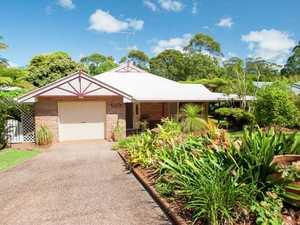 Lovely Brick Home In Garden Paradise