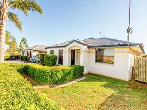 SOUGHT AFTER UNIT SO CLOSE TO THE UNIVERSITY