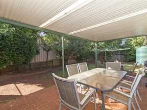Quiet Glenvale Estate! Perfect To Nest Or Invest!