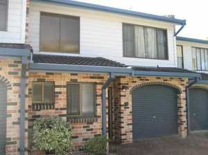 Exclusive to NSW real Estate, this superbly located townhouse is just a short stroll into Coffs CBD so you can leave your car at home. Recently refurbished property with new floor coverings, paint and other inclusions. Downstairs offers a great open plan living and dining space, timber kitchen, private courtyard ...