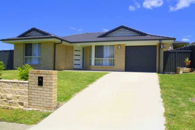 Exclusive to NSW Real Estate this as new home on Walker Close offers modern living and a practical f...
