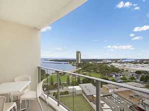 Beachside Apartment with fantastic Harbour, River and Ocean Views...Open this Sat 2nd August 12-1