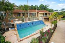 Beautifully presented and well maintained this is the perfect home for those looking for a property that has plenty of space for the family and entertaining. Set on a large elevated 1544m2 block there is plenty of room for kids, boats, caravans etc. This home is ideal for a large ...