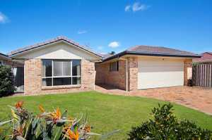 This fresh 3 bedroom home is situated within close proximity to the areas pristine beaches along with a quality growing café and restaurant community.   Features include •Sunny master bedroom with walk-through robe and ensuite •Large open plan living and dining opens onto your covered outdoor area •3 way main bathroom ...