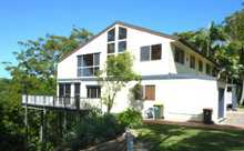 """Immaculately presented three bedroom, two bathroom plus powder room unfurnished townhouse tucked away in a private hill top location at """"Rosewood Sanctuary"""" Inlet Drive, Tweed Heads. Featuring slate flooring, spacious open plan living/dining areas with vaulted ceilings, huge cooks kitchen with walk-in pantry, breakfast bar, dishwasher and brand new ..."""