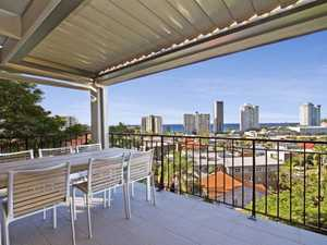 Ultimate Coolangatta Location - Ocean Views From Coolangatta To Fingal Heads- Immaculate Condition