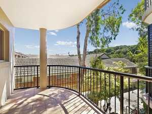 Centrally Located Beachside Unit
