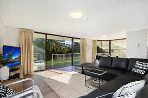 Don't miss this one of a kind apartment in Rainbow Bay! This would have to be one of the largest one bedroom apartments on the Southern Gold Coast. Approximately 91m2 of living plus 26m2 of balcony space. Entertain with ease and style in this beautiful property.   PROPERTY DETAILS  - Fully ...