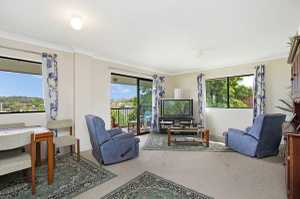 This solid three bedroom unfurnished unit features loads of natural light, neutral tones, open plan living/dining areas opening onto an undercover balcony with a pleasant outlook. Large two way bathroom with bathtub and shower, separate toilet and separate laundry, the kitchen offers plenty of bench and cupboard space. Undercover ...