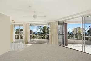 Superbly located on the NSW side of the Rainbow Bay precinct and close to Rainbow Bay Beach is this 2 bedroom apartment offering a relaxed lifestyle opportunity for residents or investors. Border Terrace apartments are highly sought after as they offer a size and layout that is hard to find ...