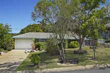 Positioned on a level block this 4 bedroom home provides a great opportunity for the first home buyer or investor.  *4 bedrooms main with walk in robe and ensuite *Open plan kitchen and family room *Formal lounge and separate dining, split system A/C *Fully enclosed entertaining area *Tandem garage ...