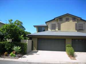 Immaculate Townhouse Living close to Scarness Beach