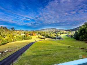 Inspiring views, 30 acres, 10 minutes to Coffs...