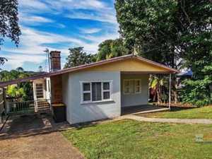 Perfect Starter Home Or Subdivide!