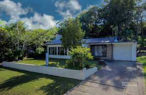 This beautifully refurbished home is a fine example of a functional free flowing design.  It is ideally located in one of the best streets in Coffs Harbour with the Race Course and Driving Range practically on your front door step.  There is a perfect path access at the end of ...