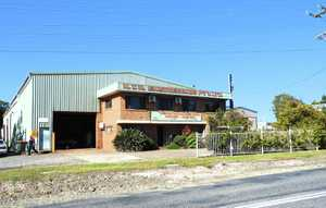 This office and warehouse facility is located in the Toormina Industrial Precinct.  It offers a 900 square metre shed together with amenities and administration area.  Key features include;  - Clear span shed - Two high roller doors - Large adjoining yard - Direct street access - Easy access for large vehicles and trucks  For further ...
