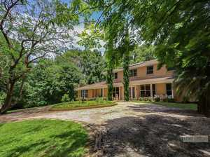 Executive Bonville residence...
