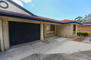 This well maintained two bedroom villa is located within a few minutes walk to Coffs Harbour town centre. Featuring; two spacious bedrooms with built-in wardrobes, an open plan living area with reverse cycle air-conditioning, a modern kitchen and a tiled dining area which opens onto the outdoor timber deck, modern ...