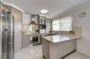 The unit is only around 5 years old and is one of just two in the complex, comprising three spacious tiled bedrooms, with low maintenance in mind and all have built in cupboards. The kitchen is fantastic with quality appliances; plenty of bench and cupboard space and also has the ...
