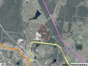 Acreage Property  Close to Town