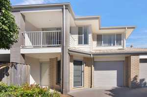 15 Brassall Place       Call your Agent now to meet you here. Yes it is vacant and ready for you now!  Time poor? Pick me !  Move in ! Feet up and head to the Pool then back to your Townhouse for the back yard BBQ. Safe and secure with no need to ...