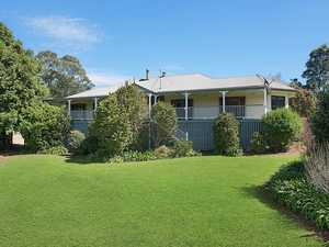 PERFECT MALENY HOME IN PRESTIGIOUS AREA