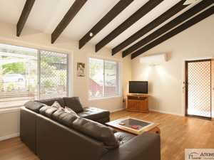 Tastefully renovated 2 bedroom villa in convenient location