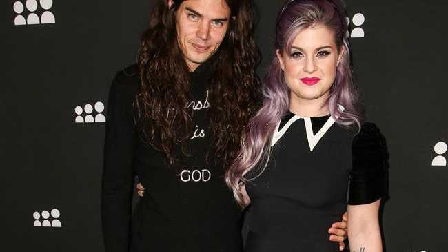Fashion Police Host Kelly Osbourne Engaged to Boyfriend MatthewMosshart
