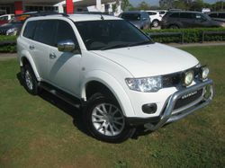 END OF YEAR CLEARANCE SALE - PRICE REDUCED  2010 MITSUBISHI CHALLENGER LS 2.5LT TURBO DIESEL 5 SPEED...