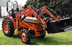 Kubota L1-26 30hp Shuttle shift, power steer, 4WD, 4 in 1 FEL, $19,300.
