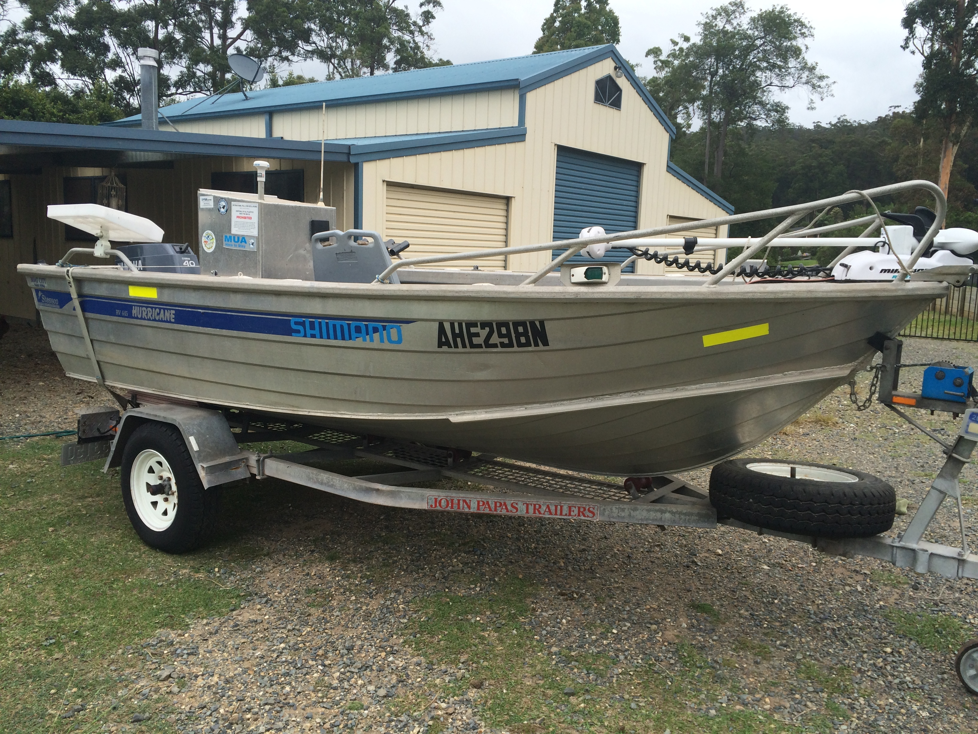 This 445RV Hurricane is an awesome boat, has 40hp Yamaha 2 stroke, minn kota with ipilot and sounder...