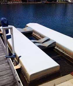 AIR BERTH Suit 4m-6m boat Noosa Waters. $2,550.  Phone 0419 683 503
