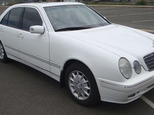 2000 Mercedes E240 sedan