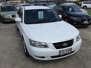 2007 Hyundai Sonata NF White 4 Speed Automatic Sedan
