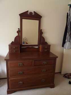 Edwardian Dresser in excellent condition