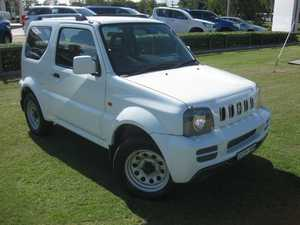 2012 Suzuki Jimny Sierra (4x4) White 4 Speed Automatic 4x4 Wagon