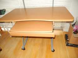 slide out drawer, shelf, top shelf quality item, clean gc castors, can assist with local delivery