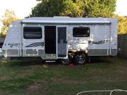 20ft 6in caravan + full annexe, single beds, full ensuite, washing machine, modern interior, plus mu...