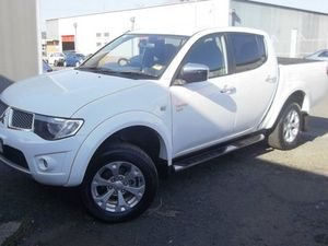 2011 Mitsubishi Triton MN MY12 GLX-R Double Cab White 5 Speed Sports Automatic Utility