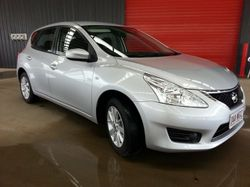 This sporty hatch is in like new condition and is presented in sparkling silver. It has an economica...