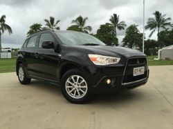 This sporty SUV is in excellent condition and is presented in midnight black. It has an economical 4...