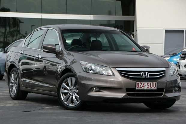 Excellent condition 8th Gen Accord Limited Edition, full leather seats, full service history and onl...