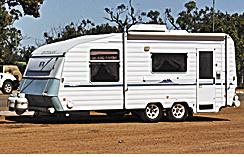 "WINDSOR Statesman Royale 2000 model 20'6"" island queen bed, shwr/wc, 3 way fridge, A/c..."