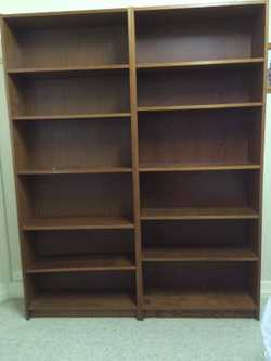 Two tall bookcases in great condition. 202x80x29.