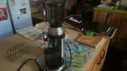 Electric, used very seldom.  Burr Conical EM0480  half new price