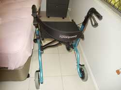 combined, b/new, easy fold, 63cm wide, 100 kg, foot rests 'freedom bro199' ideal for outings as pers...
