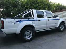 NAVARA 2010 2.5L turbo twin cab 82,000kms, full log books, bull bar, spot lights, snorkel, immac...
