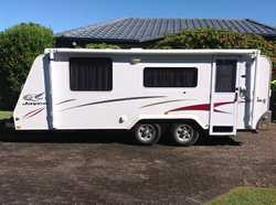2007, well maintained, shower & toilet, solar, great set up for free camping.
