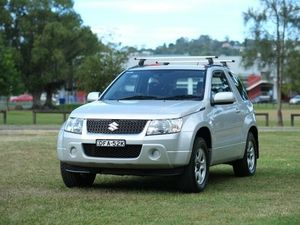 Suzuki Grand Vitara  Silver 5 Speed Manual