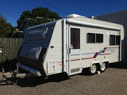 REDUCED TO SELL!! 2000 COROMAL CAPRI 535 Air con, s/beds, new awning, many extras, good cond, Her...